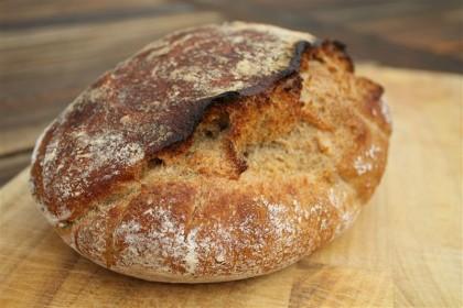 Dagasztás nélküli kenyér teljes kiőrlésű búzalisztből
